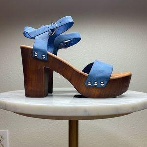 Blue platform sandals 🥶